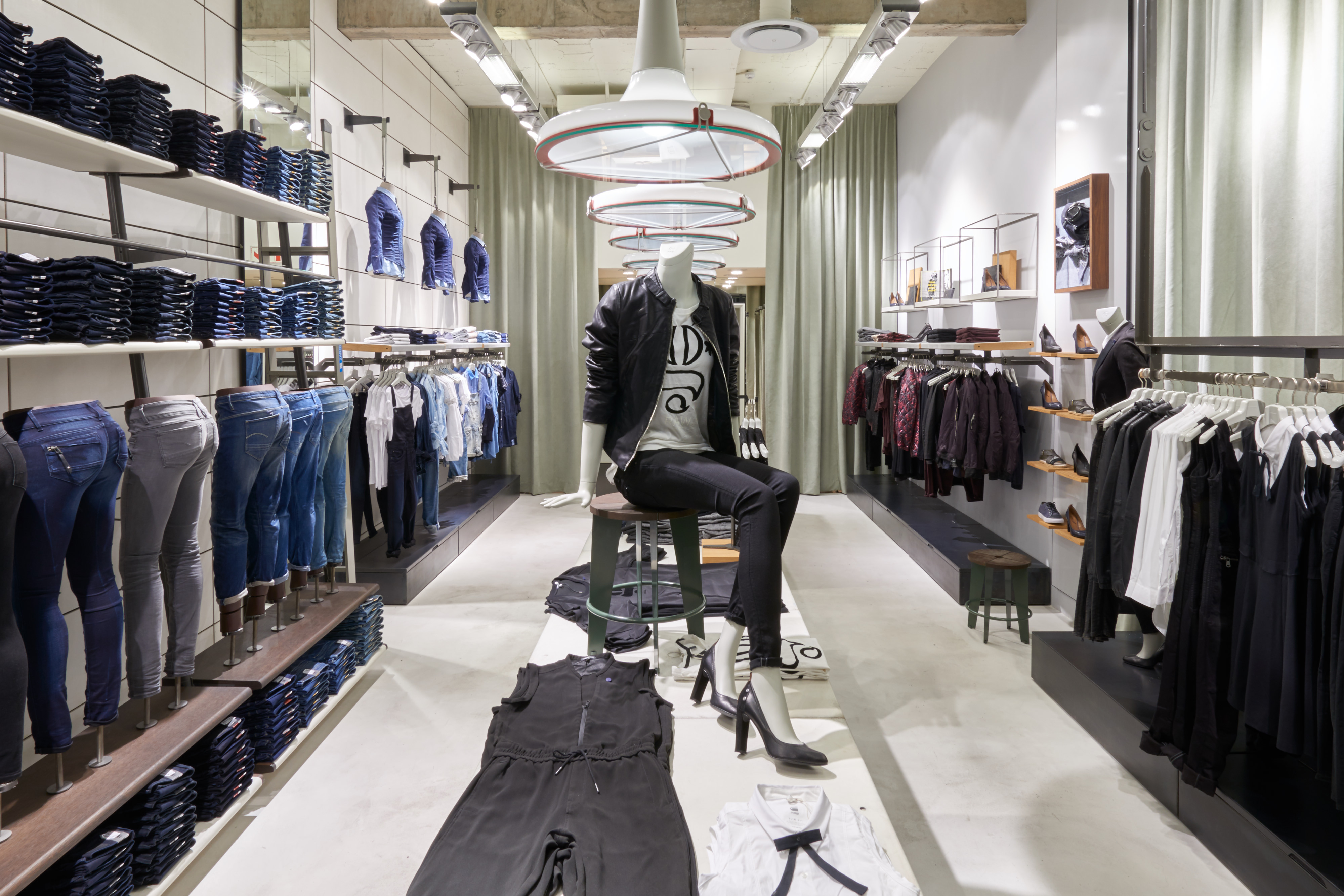 G and g clothing store